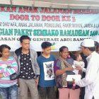 YOGAB Beri Bantuan Para Fakir Miskin dan Pengamen
